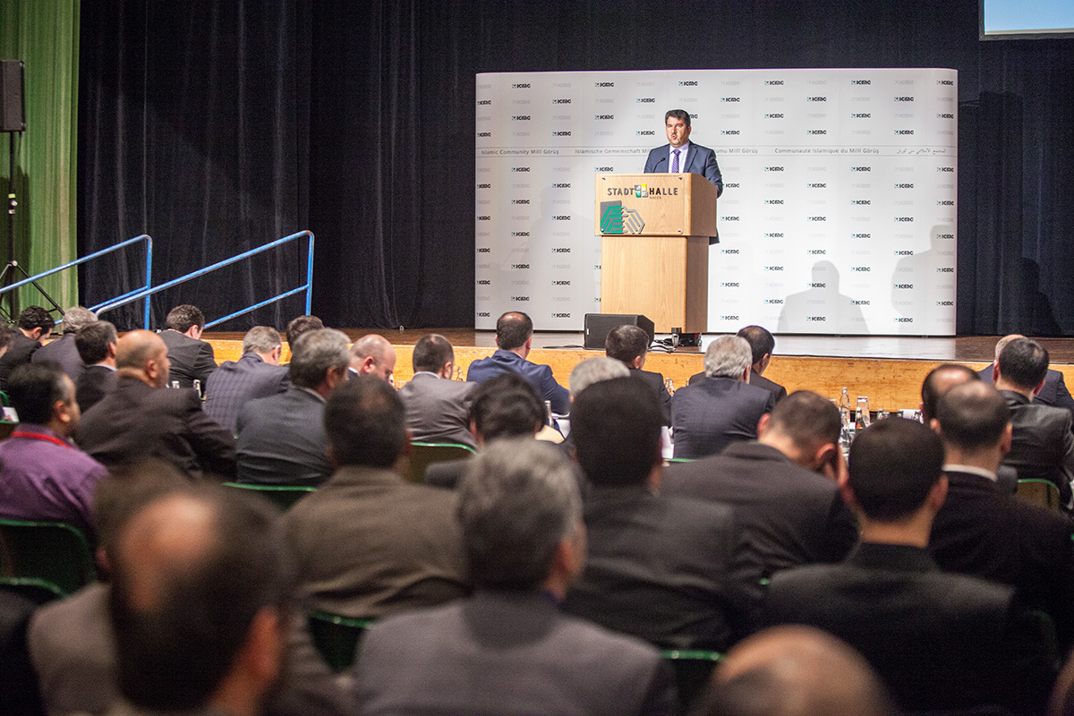 7 Delegiertenversammlung  7 Olagan Kongre  Vorsitzender  Genel Baskan  Hagen 04.05.2014 (5)