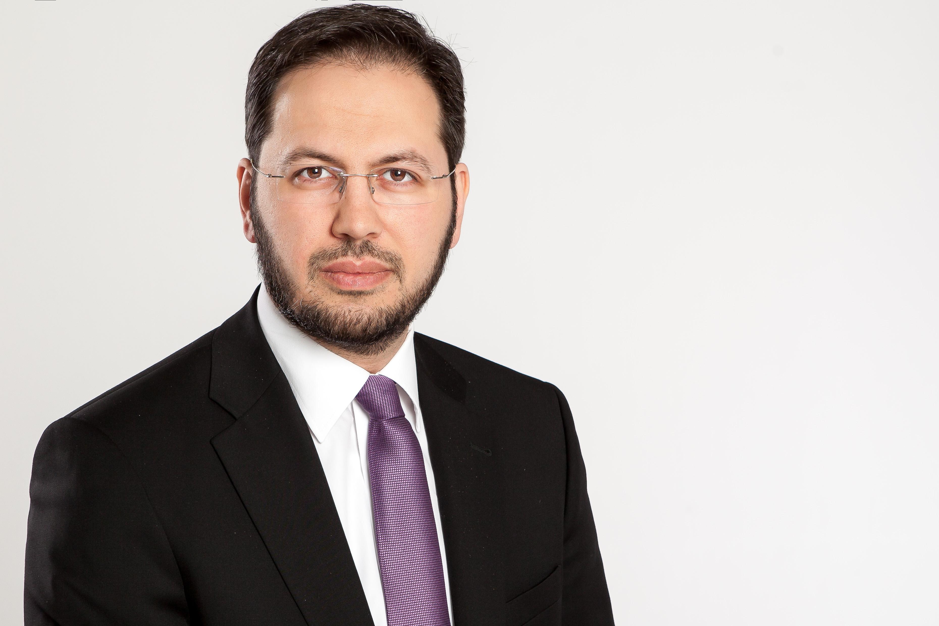 Bekir Altaş, Generalsekretär