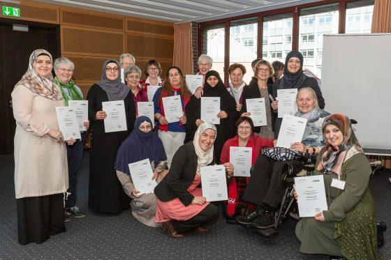 Kulturmittler, Frauen, Ausbildung